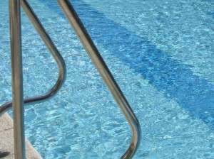 swimming-pool-132318882595h