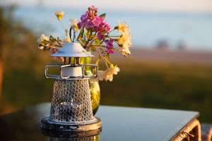 candle-holder-and-flowers-11280155908Syc3